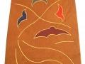 Décor abstrait de courbes et de mosaiques serties à la feuille d'or